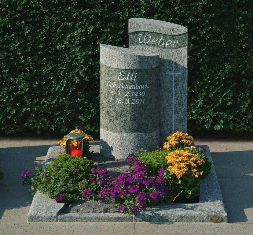 steinmetz-horst-urnengrabmal-urnengrabstein-grau-bepflanzt